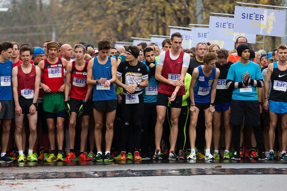 Die Läufer vor dem Start (Foto: Veranstalter)