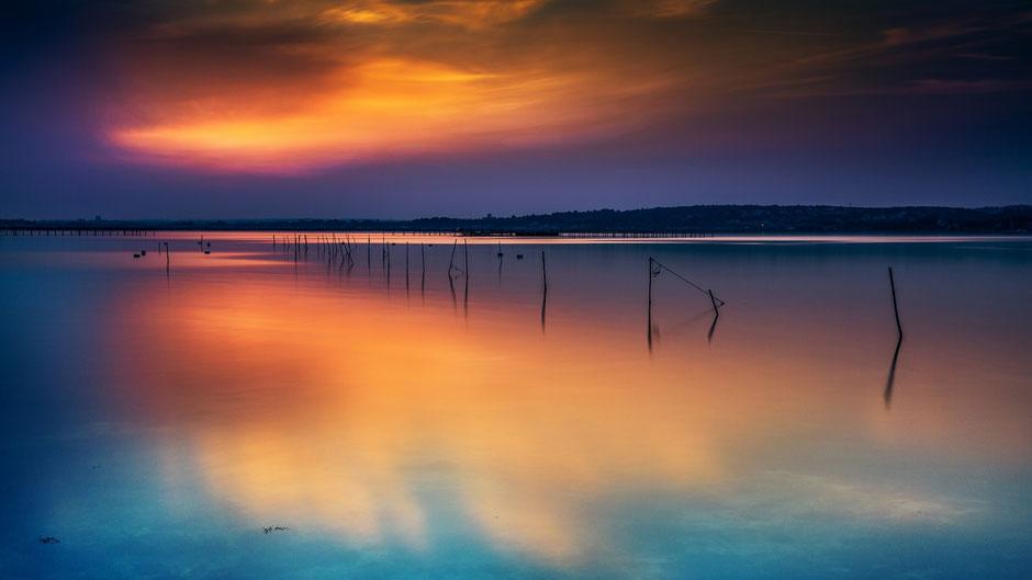 Longue exposition de l'étang de Thau près de Sète (temps de pose : 24s - f8)