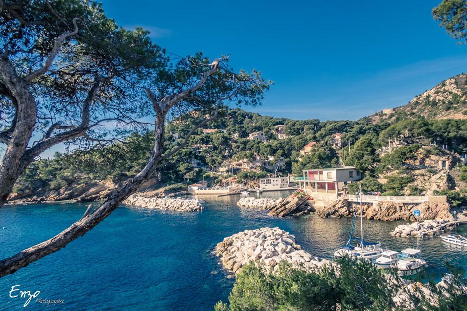 Port des figuières sur le Sentier des douaniers cote bleue Ensues la redonne Niolon Martigues