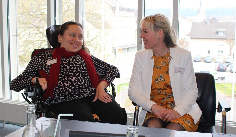 Sandra Boger und Mélanie Scheuermann im Gespräch