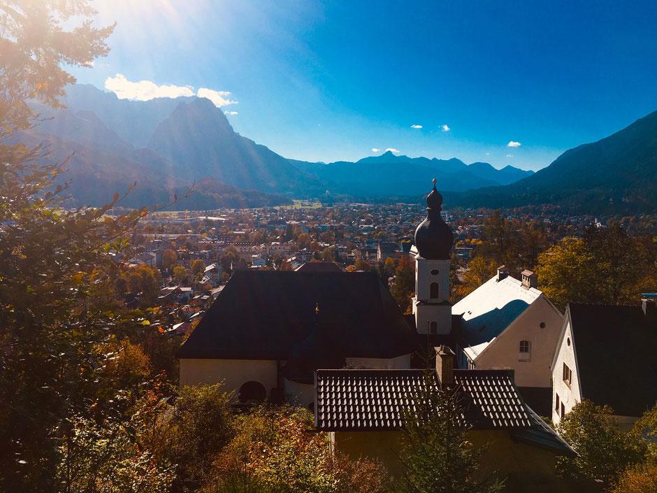 Wankgebiet mit Blick auf Garmisch-Partenkirchen