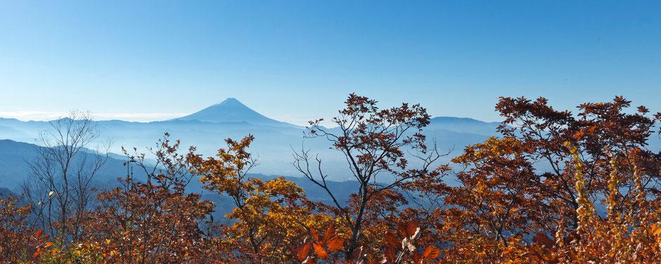 茅ヶ岳頂上より