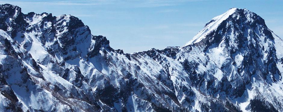 硫黄岳登山道より横岳・赤岳