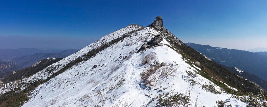 稜線から金峰山