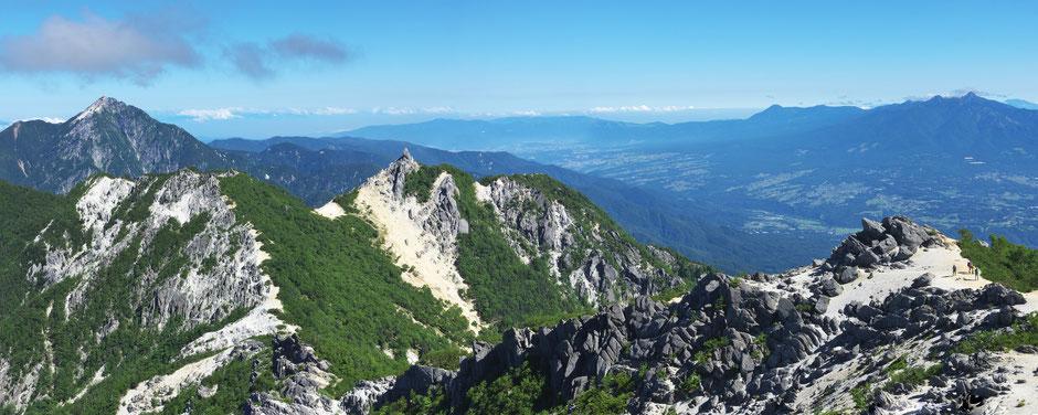 観音ヶ岳から甲斐駒、地蔵ヶ岳、八ヶ岳