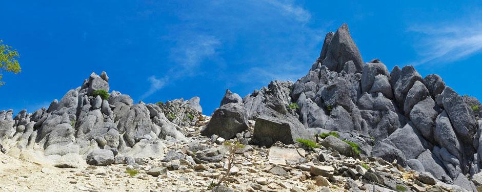 地蔵ヶ岳オベリスク