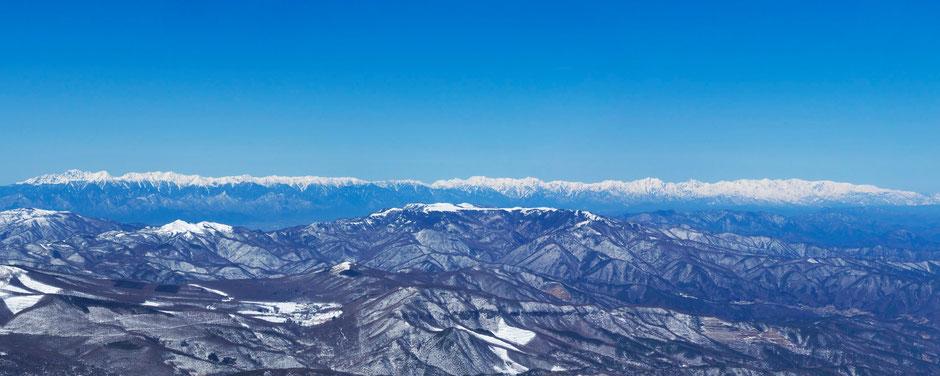 蓼科山山頂から北アルプス