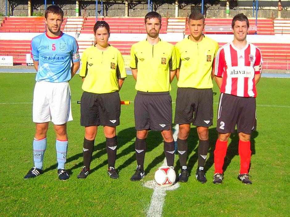 En el partido de la pasada temporada en Ellakuri el Laudio empató sin goles ante el Ariznabarra. Foto: Koldo Zurimendi.