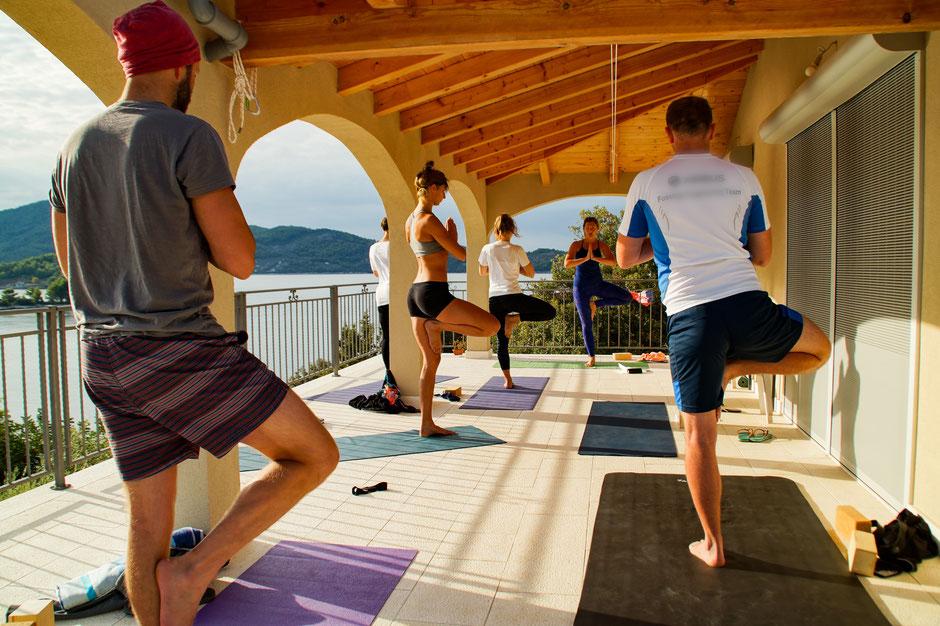 Yogagruppe Yoga und Meditation Asana