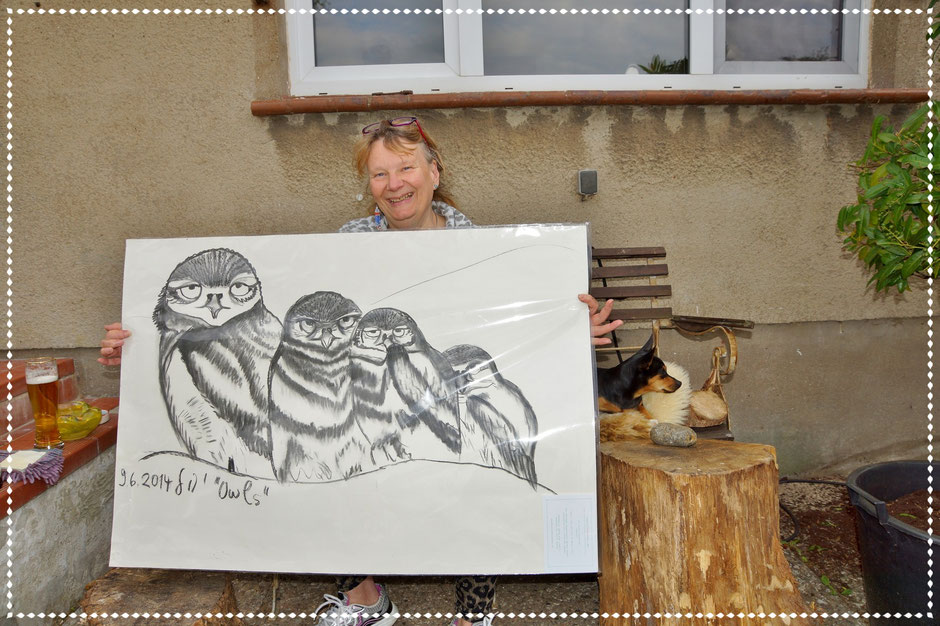 Tine und ihre Käutze, Kohle auf Papier, 70x100cm, 2014