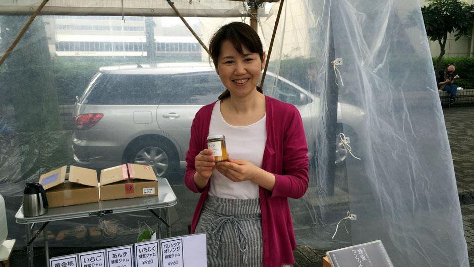 「東京朝市・アースデイマーケット」(代々木公園けやき並木)で出会った、トコトワの磯部由美香さん