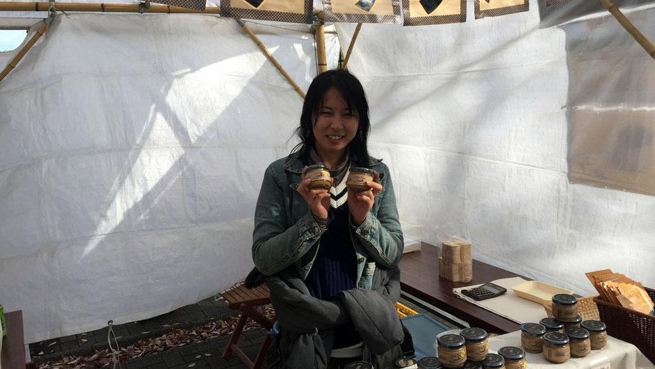 """やちまたよしくら、代表の木村由希子さん。「時間をかけてゆっくりとつくられた、""""本物""""を選んでほしいですね。選んでもらわないと、消え行く運命なので。」"""