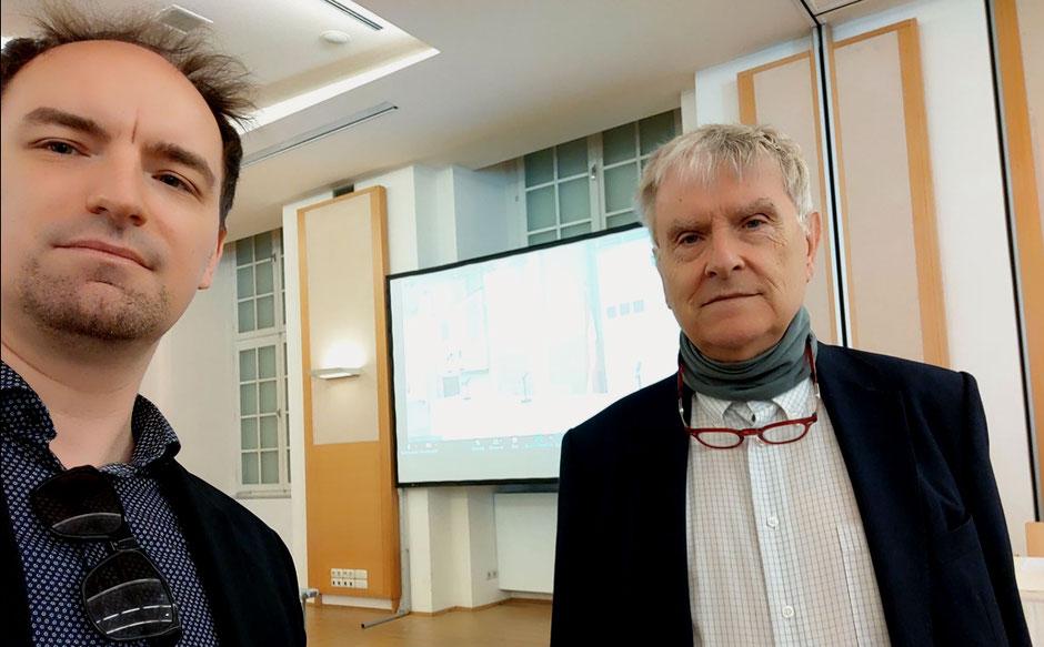 Politikwissenschaftler Professor Anton Pelinka und Stopovereurope.eu Gründer Dietmar Pichler auf der Diplomatischen Akademie in Wien ©DietmarPichler