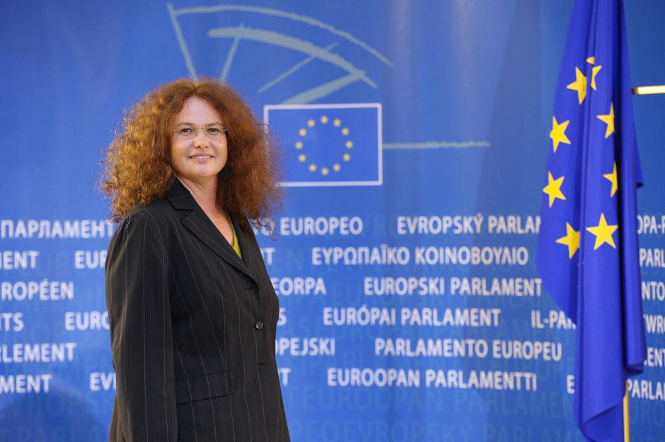 Dr. Monika Vana im EU Parlament - © Büro Vana