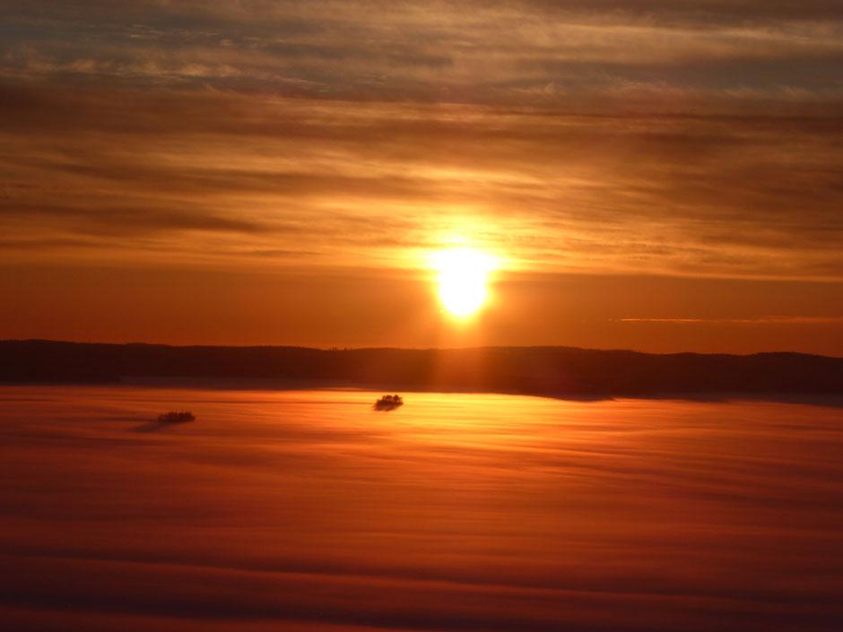 Winterlandschaft am See Finnland