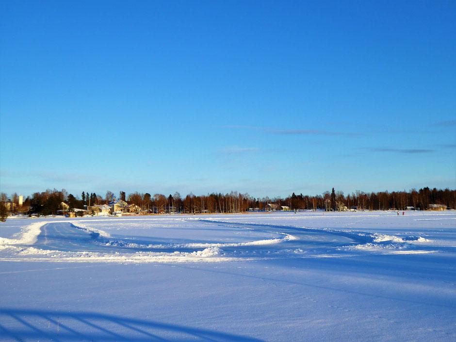 Schlittschuhbahn See Finnland Sysmä