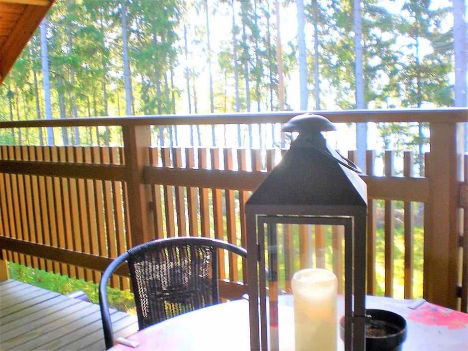 Balkon Herbst See Wald Ferienhaus