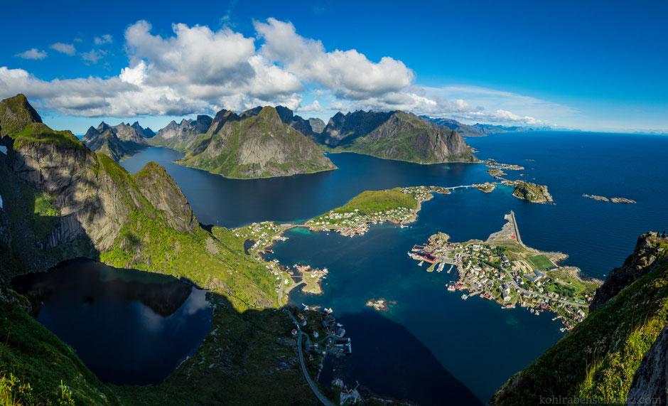 Ausblick vom Reinebringen über die Landschaft der westlichen Lofoten