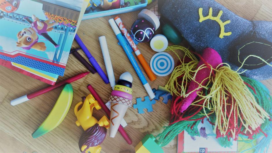Chaos Kinderzimmer Spielsachen Aufräumen