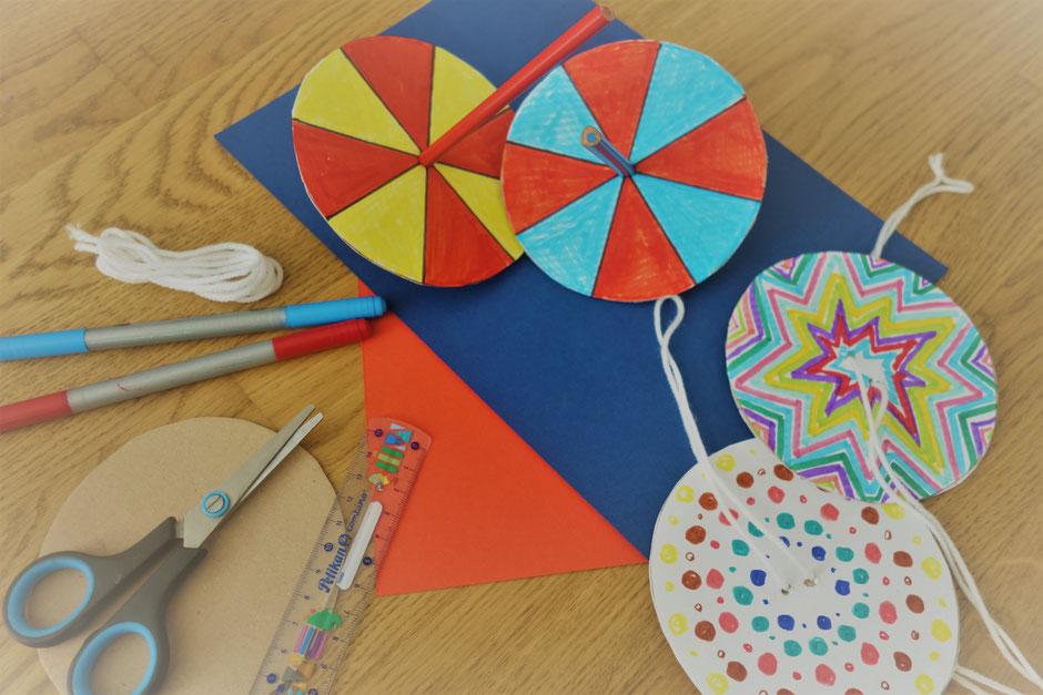Kreisel Farben Muster Experiment Basteln Drehen Schere Pappe Papier Stift