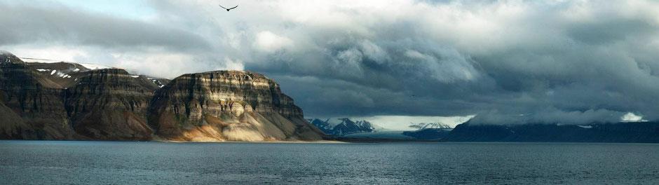 Tempelfjorden, Tunabreen Glacier, Svalbard