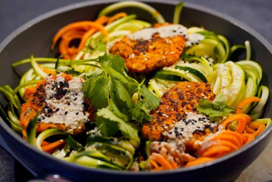 Karottenpuffer auf Zoodels| knusprig, lecker & gesund