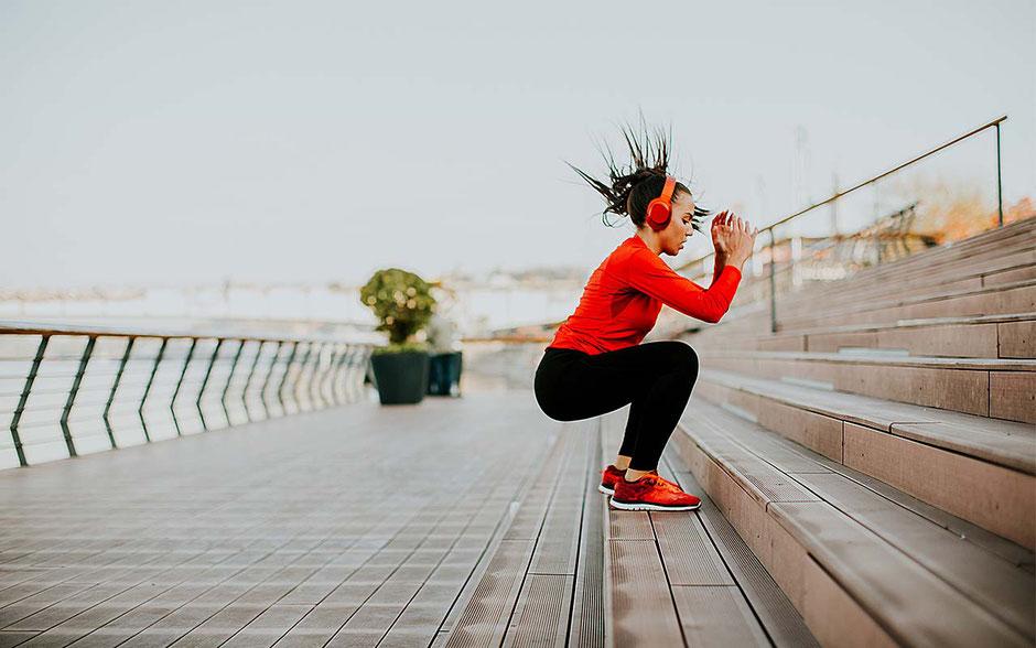 Auch sportliche junge Frauen können mit dem Kupferball sicher und hormonfrei verhüten