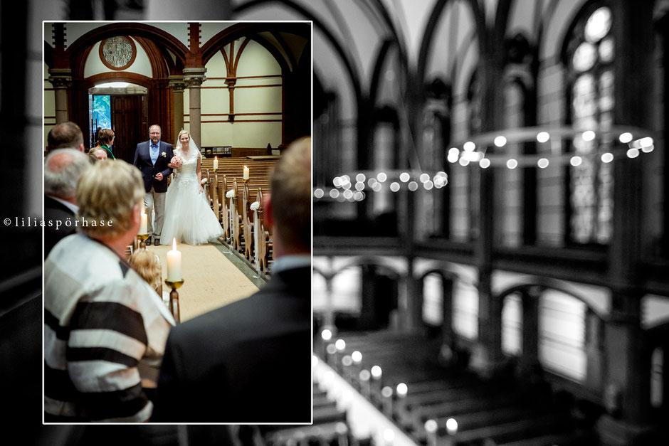 St. Gertrud Kirche, Hamburg, Hochzeit, liliaspoerhase, Fotografie, Lilia Spörhase, Sankt Gertrud, Uhlenhorst, Braut, Brautvater