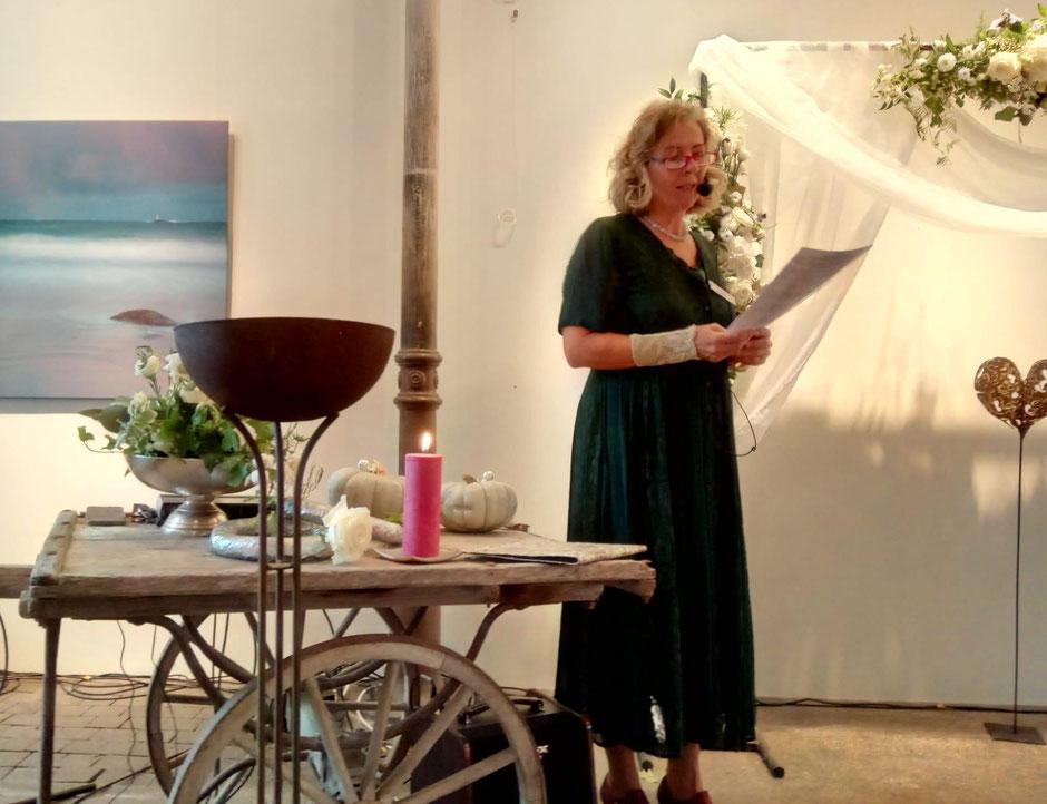 Zeremonieleiterin - Gisela Hüppi