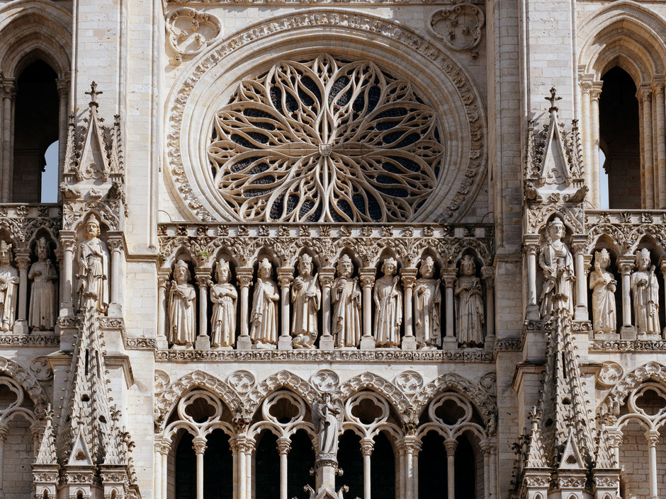 Gallery of Kings, Gallerie des Rois, Rose window, Rosace, Amiens, Cathedrale d'Amiens, Amiens Cathedral
