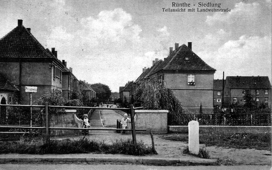 Die 90 Jahre alte Aufnahme zeigt die Landwehrstraße, heute Otto-Wels-Straße. (Bildnachweis: Archiv Peter Voß)