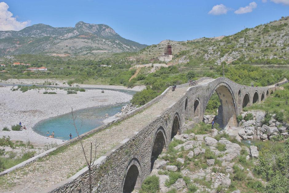 Brücke bei Shkodra, Albanien.
