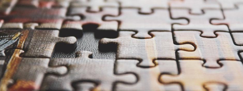 Puzzle mit einem fehlenden Teil