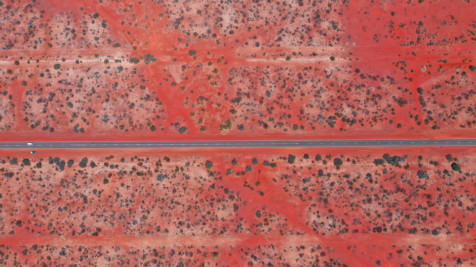Red Land - Road Trip - Western Australia - Drone Photography - travelbees.de