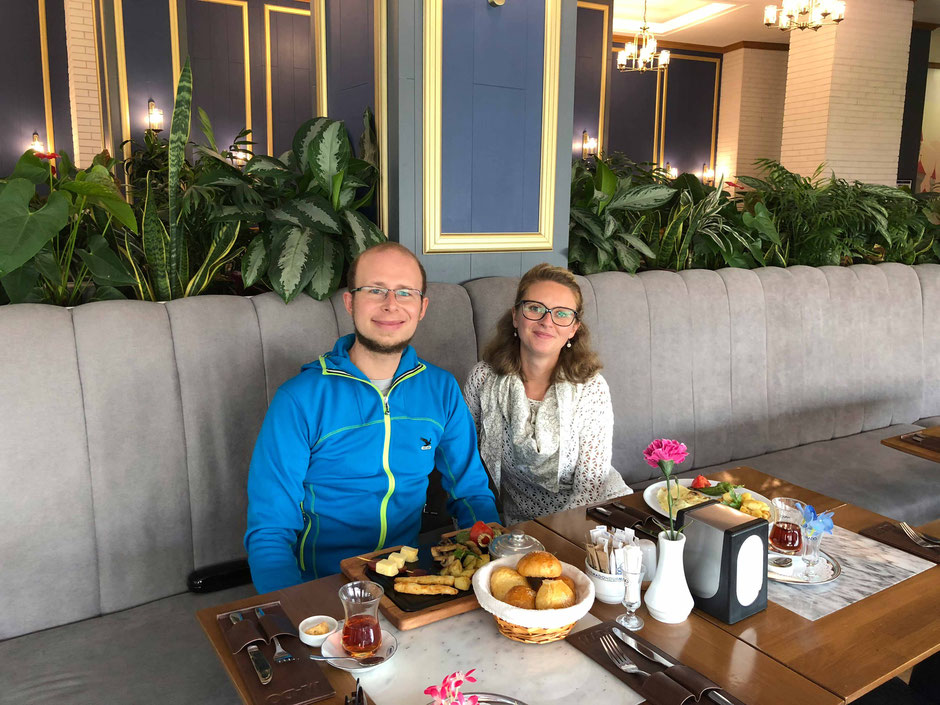 Breakfast at MODA in Astana - Kazakhstan - www.travelbees.de