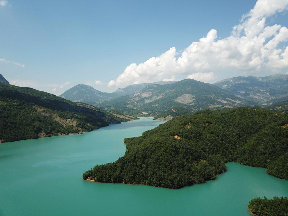 Bovilla Lake - Albania - www.travelbees.de