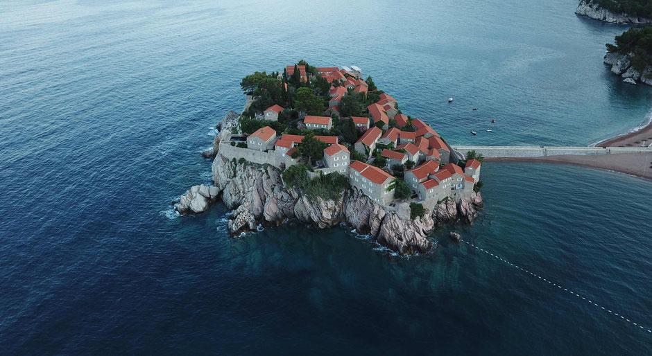 Sveti Stefan - Montenegro - Travelbees