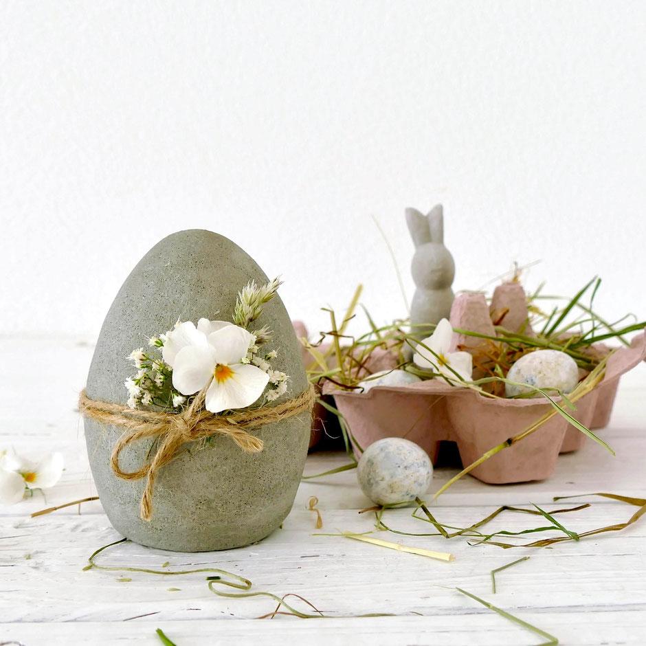 DIY Ostereier aus Knetbeton mit Blumen dekoriert