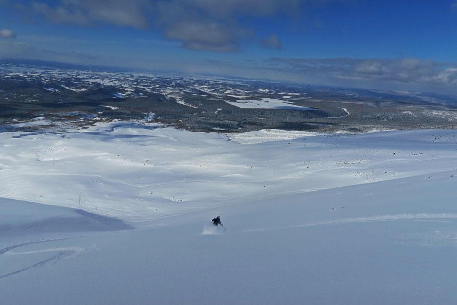 Daisetsuzan-backcountry-ski-guide-Japan-Hokkaido-trips