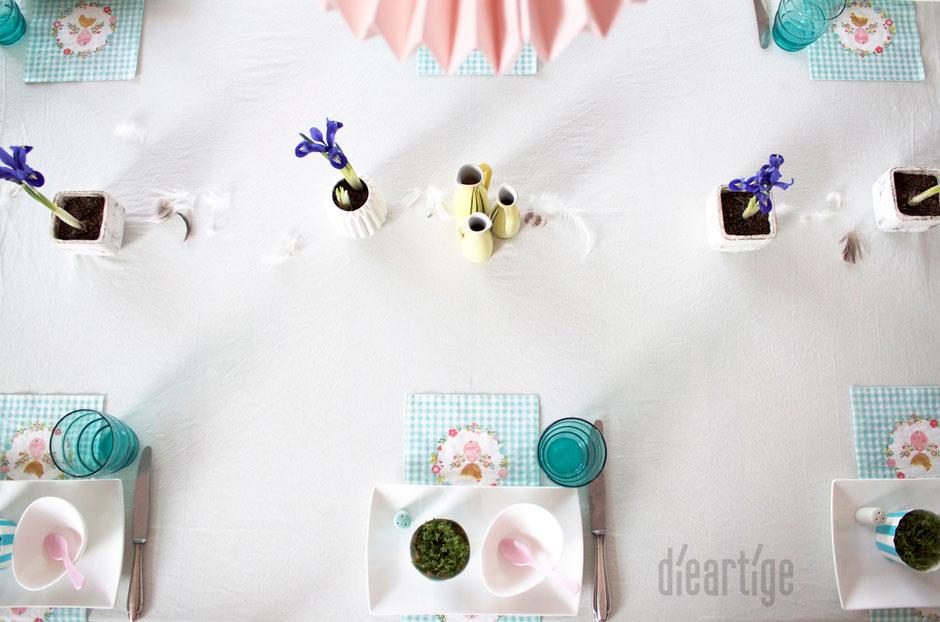 dieartigeBLOG - Tischdekoration / Ostern in Mint, Hellblau, Rosé + Weiß / Zwerg-Iris