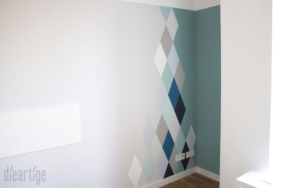 dieartigeBLOG - Wandgestaltung, Rauten in Blau- und Grautönen