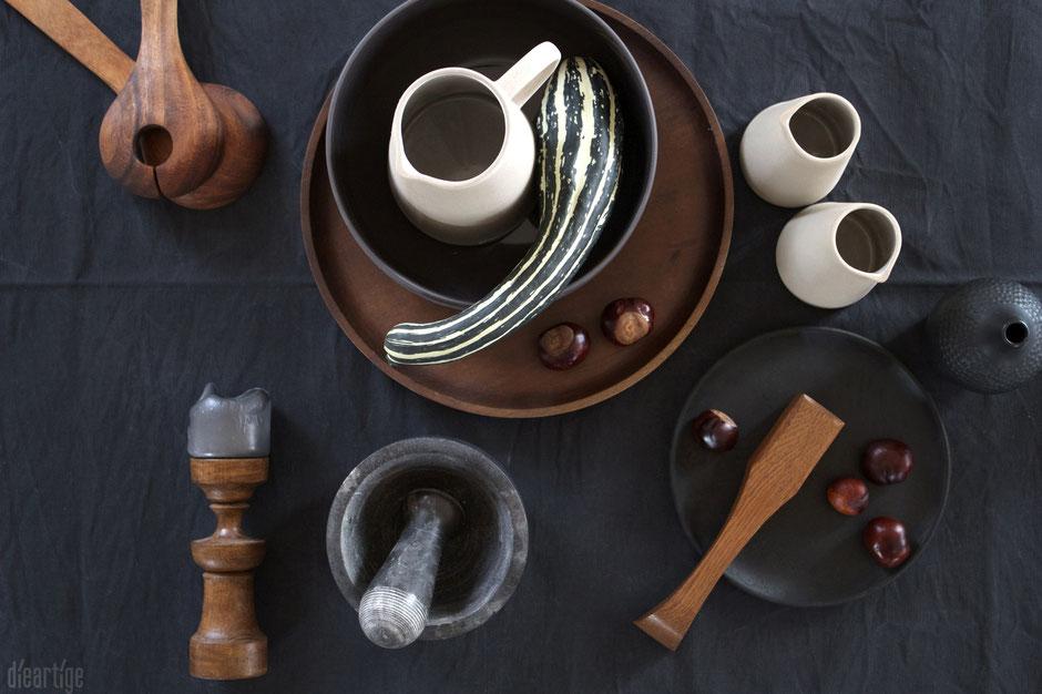 dieartigeBLOG - Schwarzes & Braunes // Leinen, Holzteller, Steinzeug, Stein, Keramik