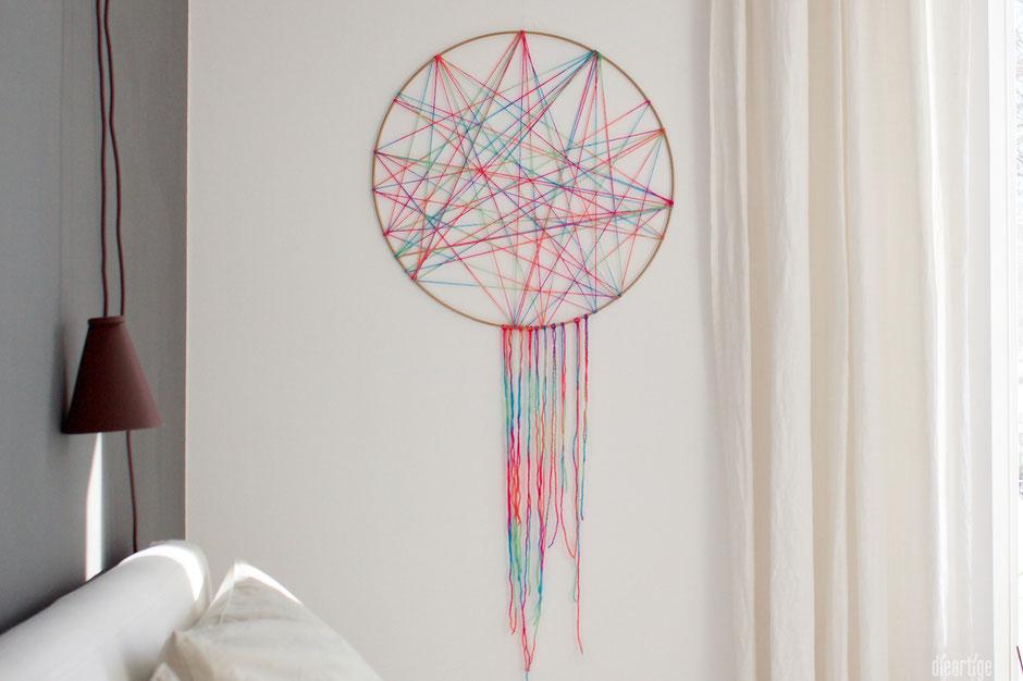 dieartigeBLOG - Metallring mit multicolor-Wolle als Dekoration, Traumfänger, Boho-Deko