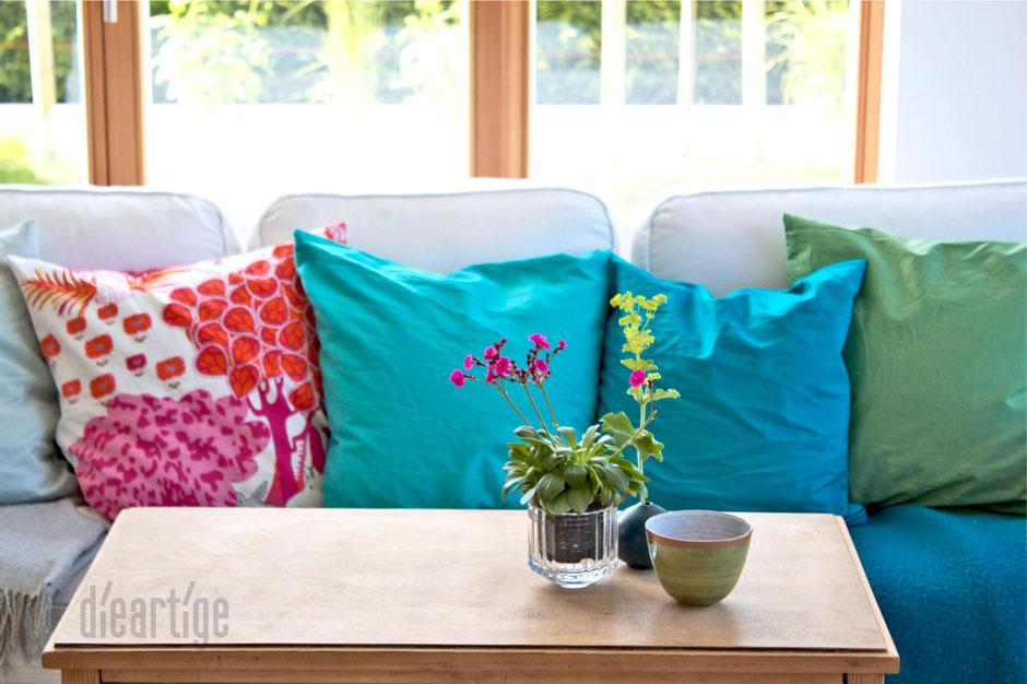 dieartigeBLOG - SofaKissen in Sommerfarben, MEER-Grün, -Blau, -Türkis, -Blassblau und Pink/Orange
