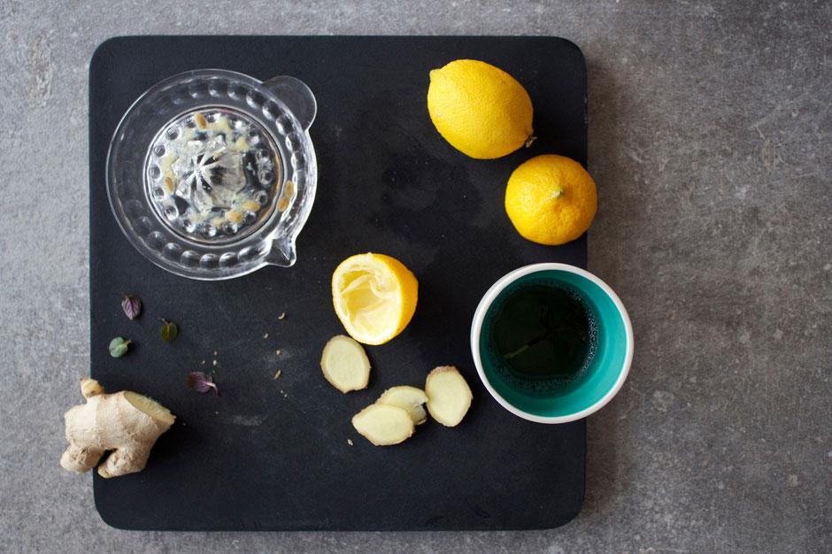 frischer Zitronen-Ingwer-Tee, schnell und effektiv