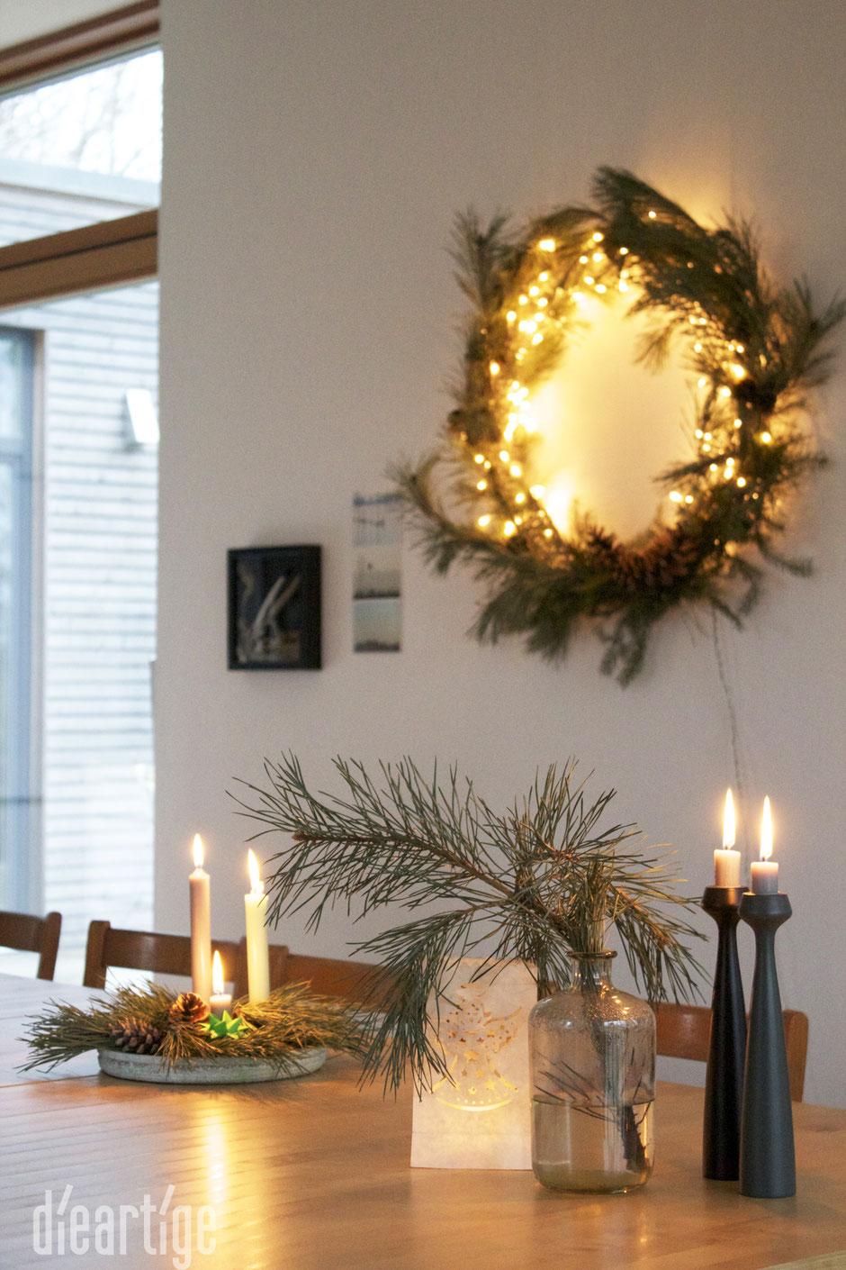 dieartigeBLOG - Adventsdekoration, Kiefernzweige, Applicata Kerzenständer Blossom