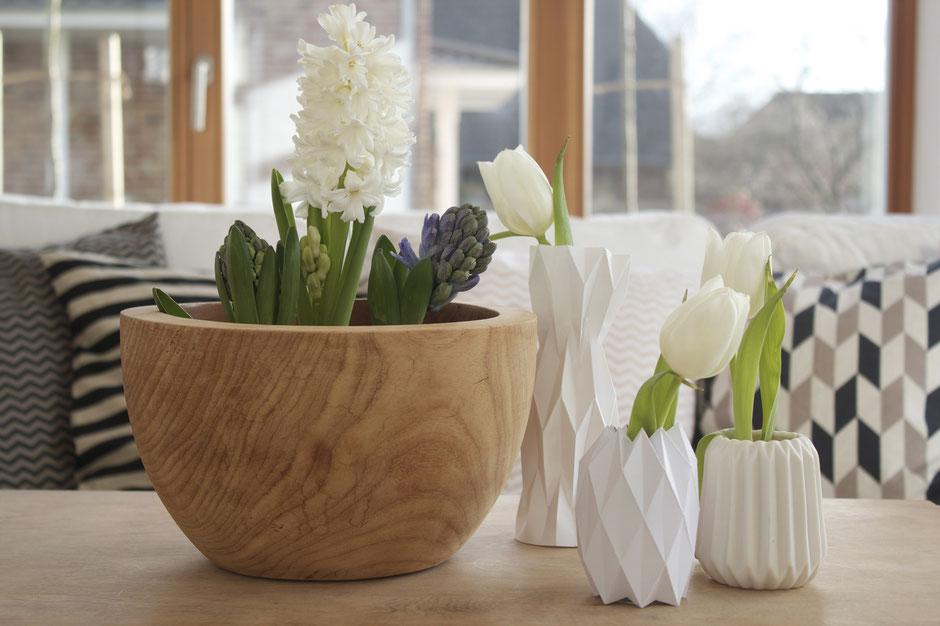 dieartigeBLOG - Hyazinthen, Origami-Vasen. Grafische Muster, Kissen im Frühling