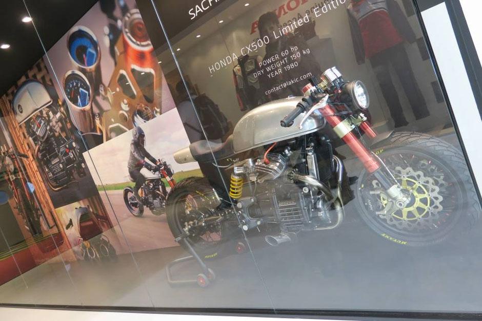 Honda CX500 par Sacha Lakic
