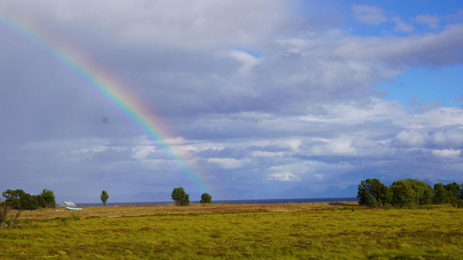 Ein Regenbogen versöhnt die Stimmung