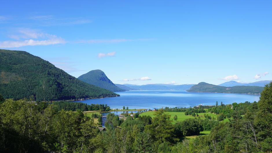 Fjordidylle bei Alvund